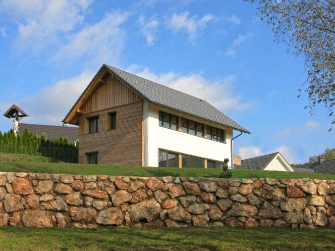 hiša iz slame, arhitekt naravna gradnja, projekt hiša iz slame, apneni ometi, naravna hiša, naravna gradnja, gradnja z naravnimi materiali, Peter Rijavec arhitekt, Arhi-tura