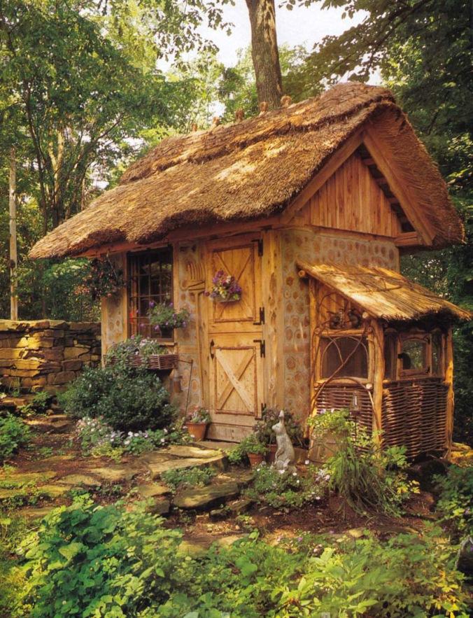 čudovita hiška, cordwood, hiša iz lesenih kosov lesa, lesena hiša, naravna hiška, naravna gradnja, gradnja z naravnimi materiali