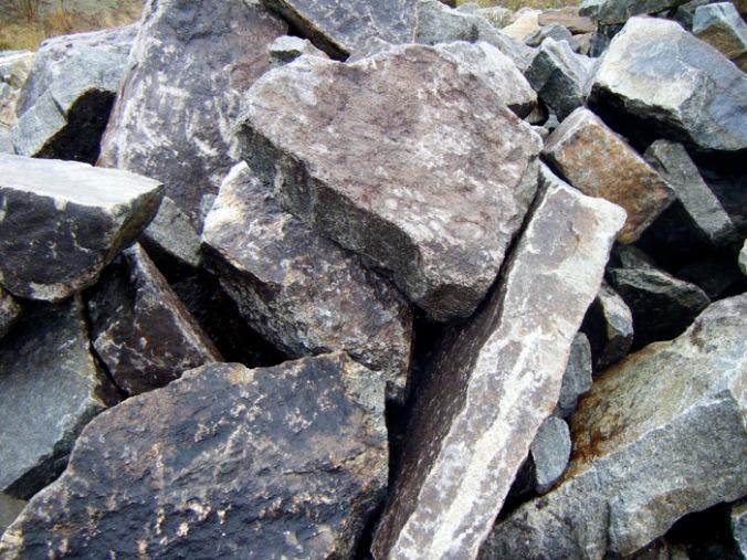 kamen, naravni materiali, naravna gradnja, gradnja z naravnimi materiali