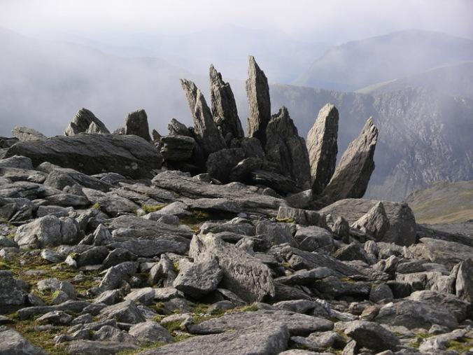 skale, naravni materiali, naravna gradnja, gradnja z naravnimi materiali