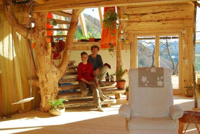 lesena hiša, naravni interierij, naravna oprema, leseno pohištvo, naravna gradnja, gradnja z naravnimi materiali