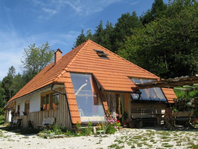 strešniki, opečnati strešniki, streha, naravna gradnja, gradnja z naravnimi materiali