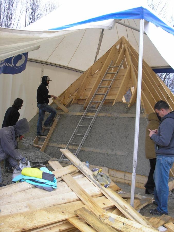 konopljin beton, naravna gradnja, piramida, gradnja iz konoplje