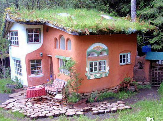 cob, hiša iz zbite ilovice, hiša iz zemlje, naravna gradnja