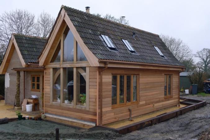 hiša iz konoplje, konopljina hiša, naravna gradnja, lesena hiša, konoplja, arhitekt naravna gradnja, arhitekt hiša iz konoplje, gradnja z naravnimi materiali